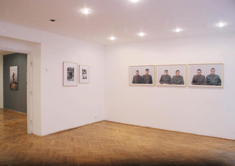 U PUNOM SVETLU - FOTOGRAFIJE IZ KOLEKCIJE CEF-a, izgled postavke, Galerija Remont, 2012