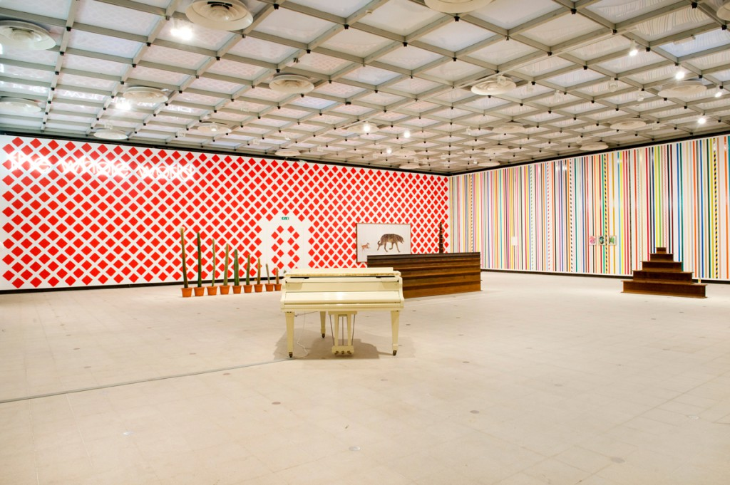 Martin-Creed,-What's-the-point-of-it,-Hayward-Gallery,-2014-Installation-view,-photo-Linda-Nylind-(2)
