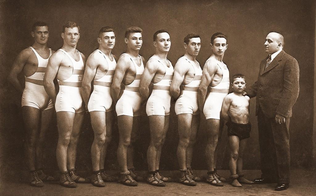 Jevrejski rvački klub, Subotica, 1925. Izvor Jevrejska opština Suboticaa