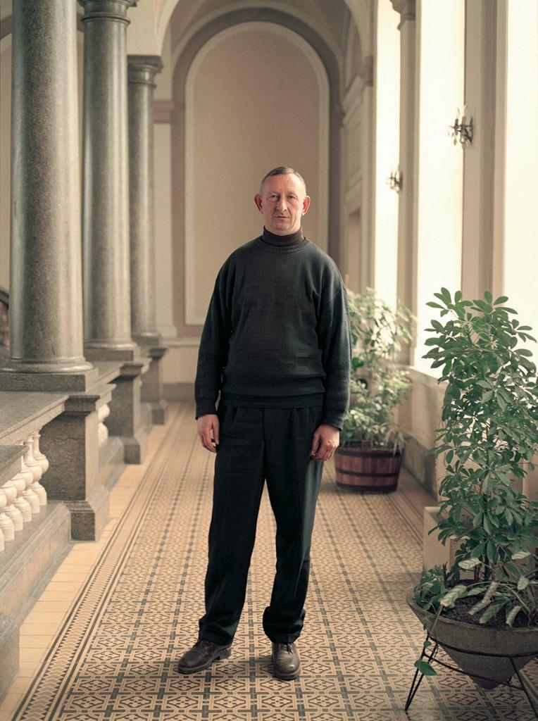 005 Dokumenti [2008], iz serije Portreti (Komunalni inspektor), 2001