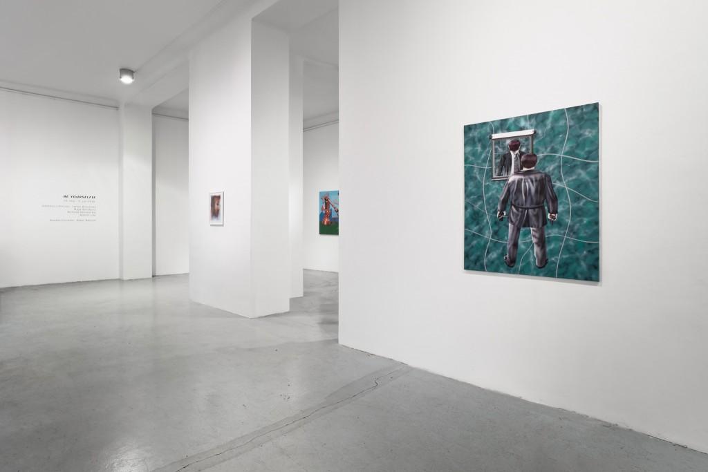 13Be yourselfie - U10 - Installation view - photo - Aron Weber